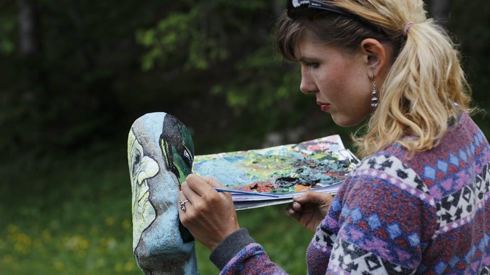 Artista vid la lavur.