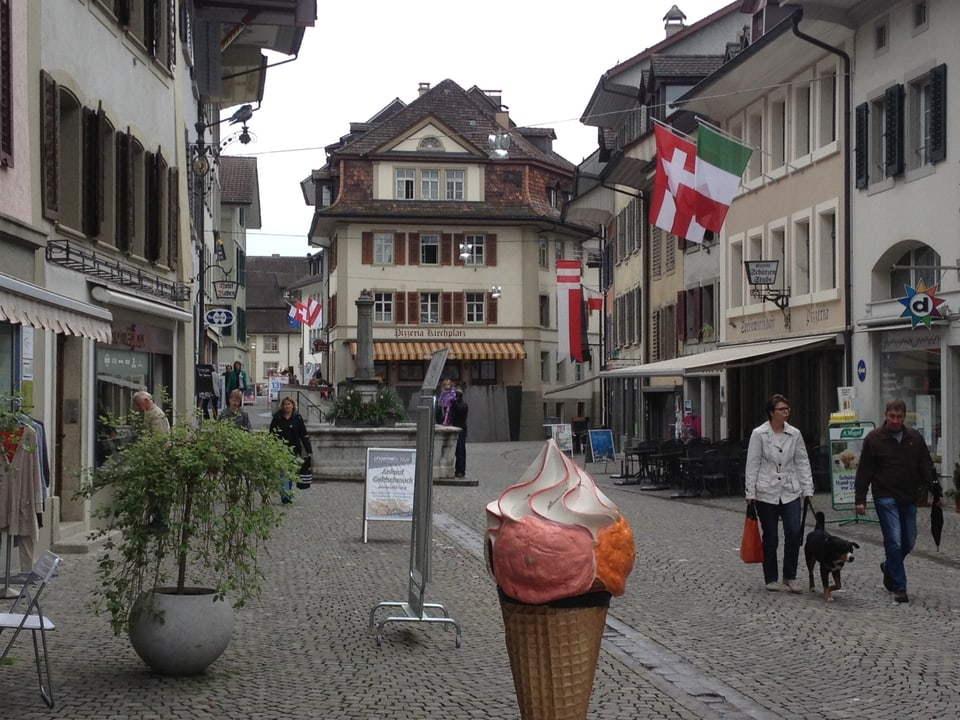 Die kleine, gepflegte Altstadt von Zofingen ist typisch für die Deutschschweiz.