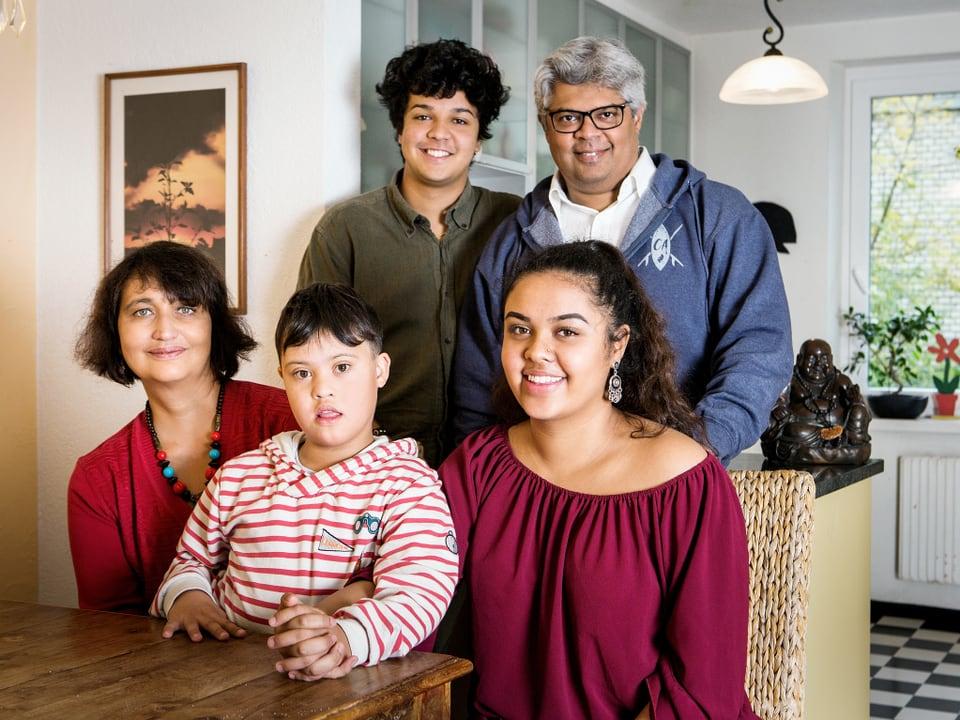 Familie Hosali.