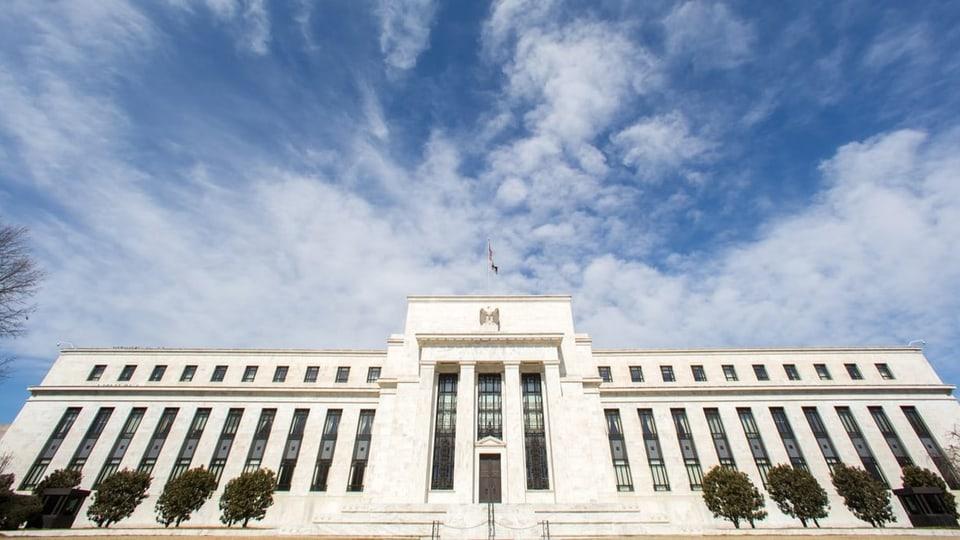 Die US-Notenbank kommt wegen ihrer Geldpolitik zunehmend in Erklärungsnot.