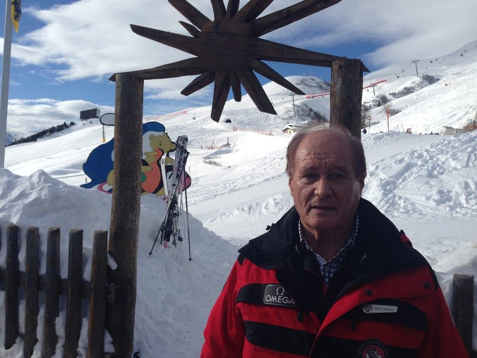 Mario Ramponi ist 80 Jahre alt und arbeitet seit 60 Jahren als Skilehrer. Er ist zuständig für die hochkarätige Kundschaft des Hotels Palace in St. Moritz.