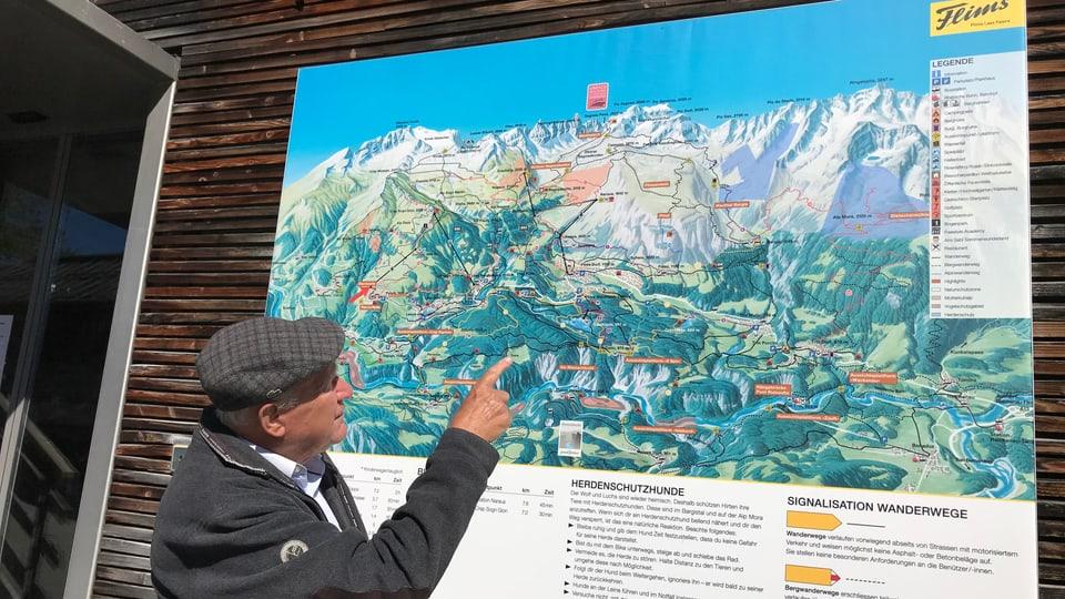 Ignaz Cathomen avant la charta dal terrritori da skis