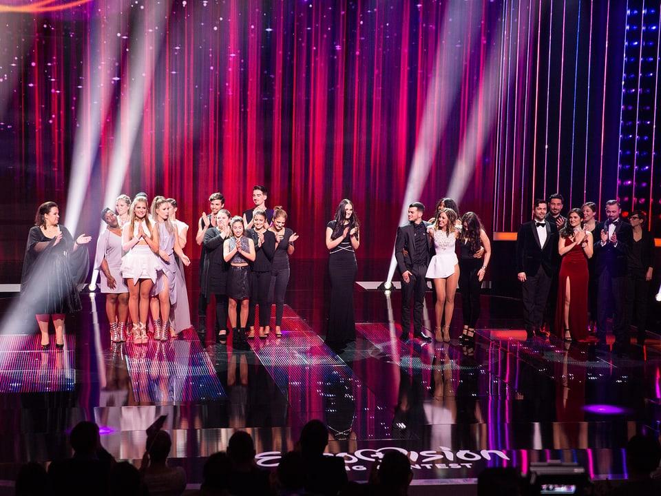 Alle Acts auf der Bühne.