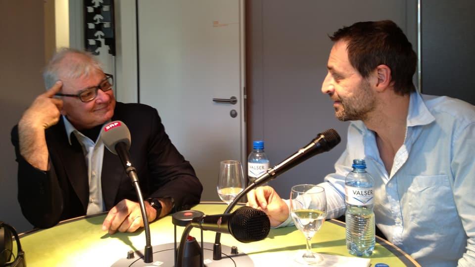 Nationalrat Daniel Vischer im Gespräch mit Dominic Dillier.