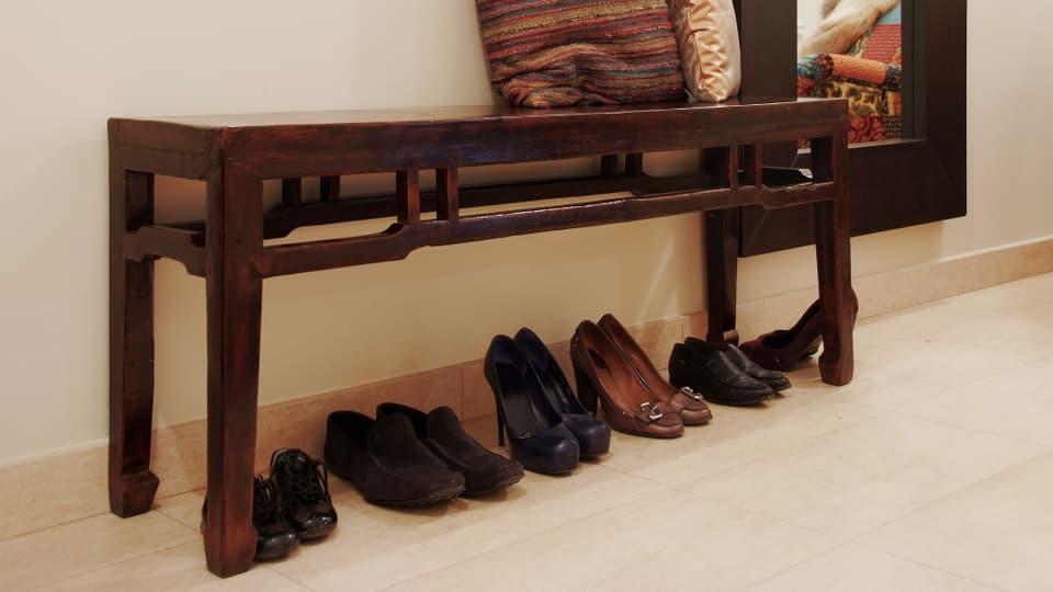 trick 77 zu enge schuhe ausweiten kassensturz. Black Bedroom Furniture Sets. Home Design Ideas