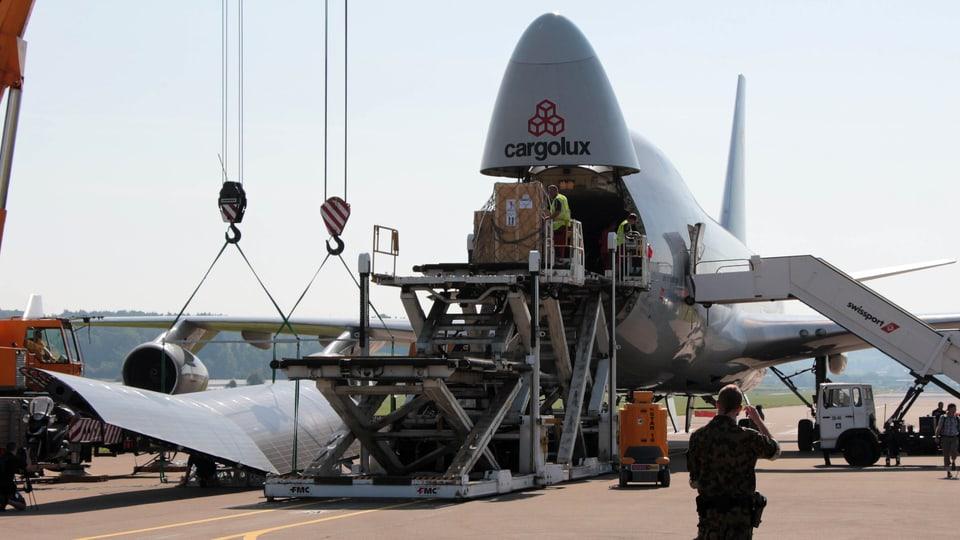 Entladen der Boeing 747.