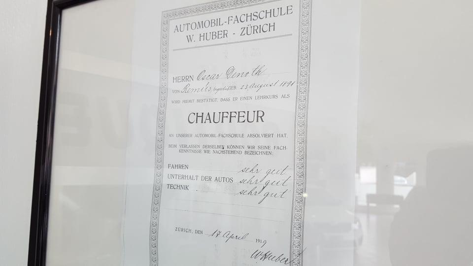 Il diplom per charrar cun camiun anc avant che Oscar Denoth aveva fatg l'examen per ir cun auto.