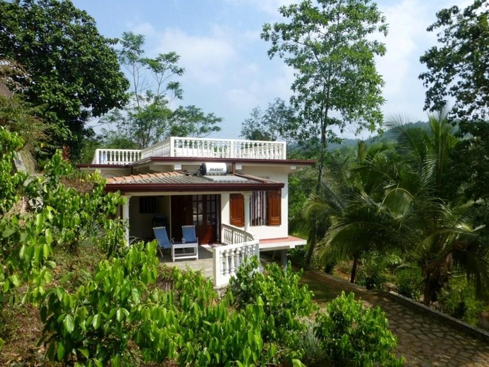 Das Haupthaus auf der Plantage der Amitirigalas.