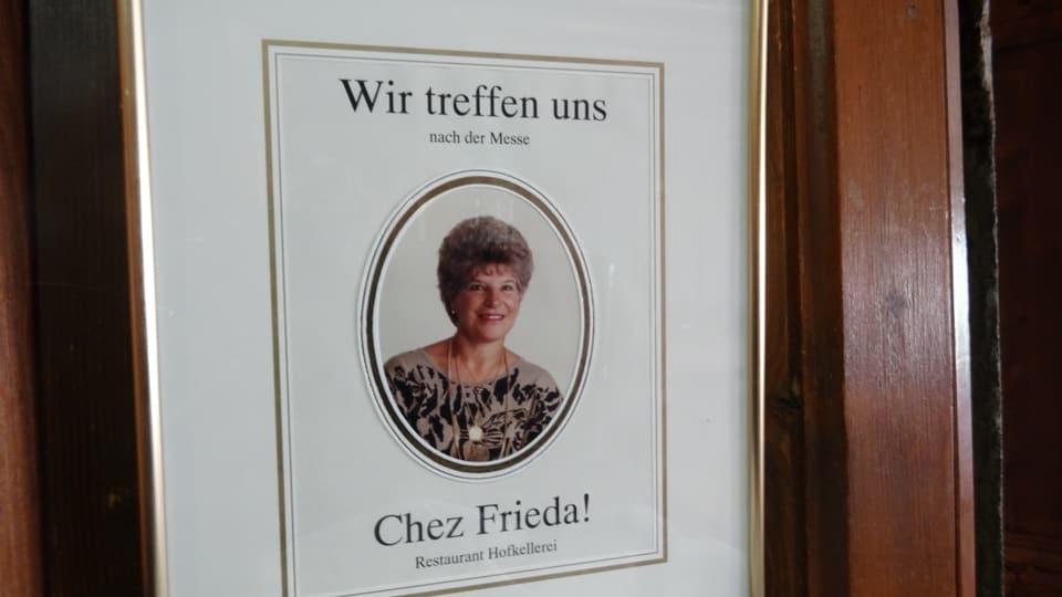 Document cun foto da Frida Beccarelli e l'inscripziun : wir treffen uns nach der Messe chez Frieda !