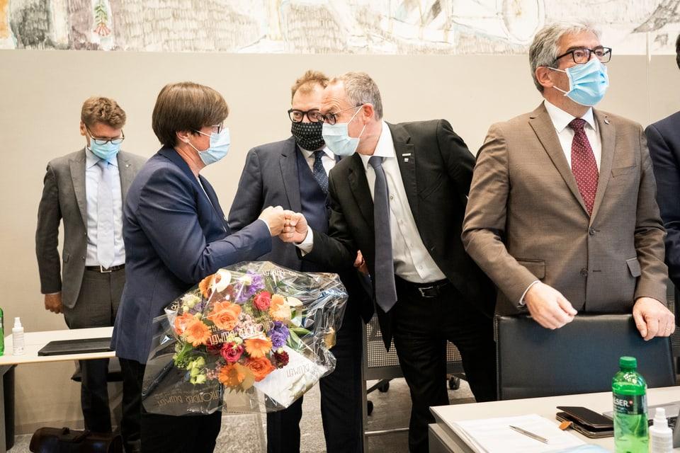 Christian Rathgeb (PLD) gratulescha ad Aita Zanetti