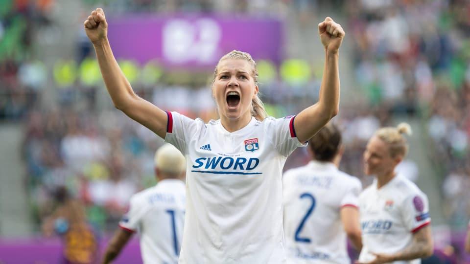 Internationale Fussball-News - Lyon zum 4. Mal in Serie CL-Sieger bei den Frauen