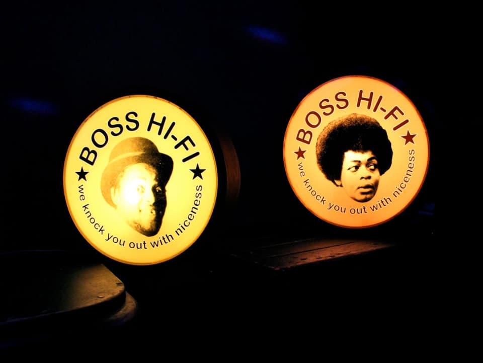 Seit 8 Jahren sin die Zürcher Reggae DJs von Boss Hi-Fi jeden Montag im Stall 6 zu hören. Mit dabei immer auch ihre Lampen.
