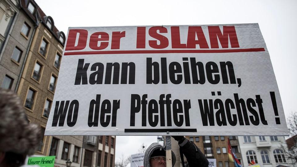 Il Cristianissem vers l'Islam.
