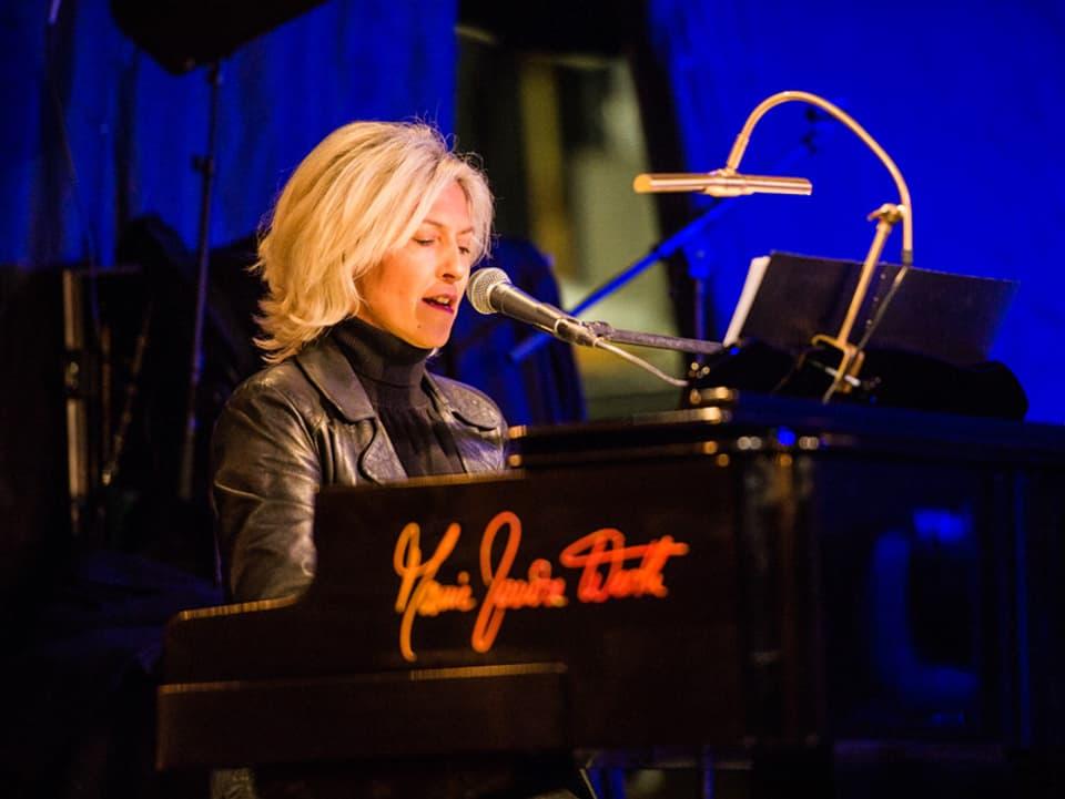 Marie Louise Werth al piano