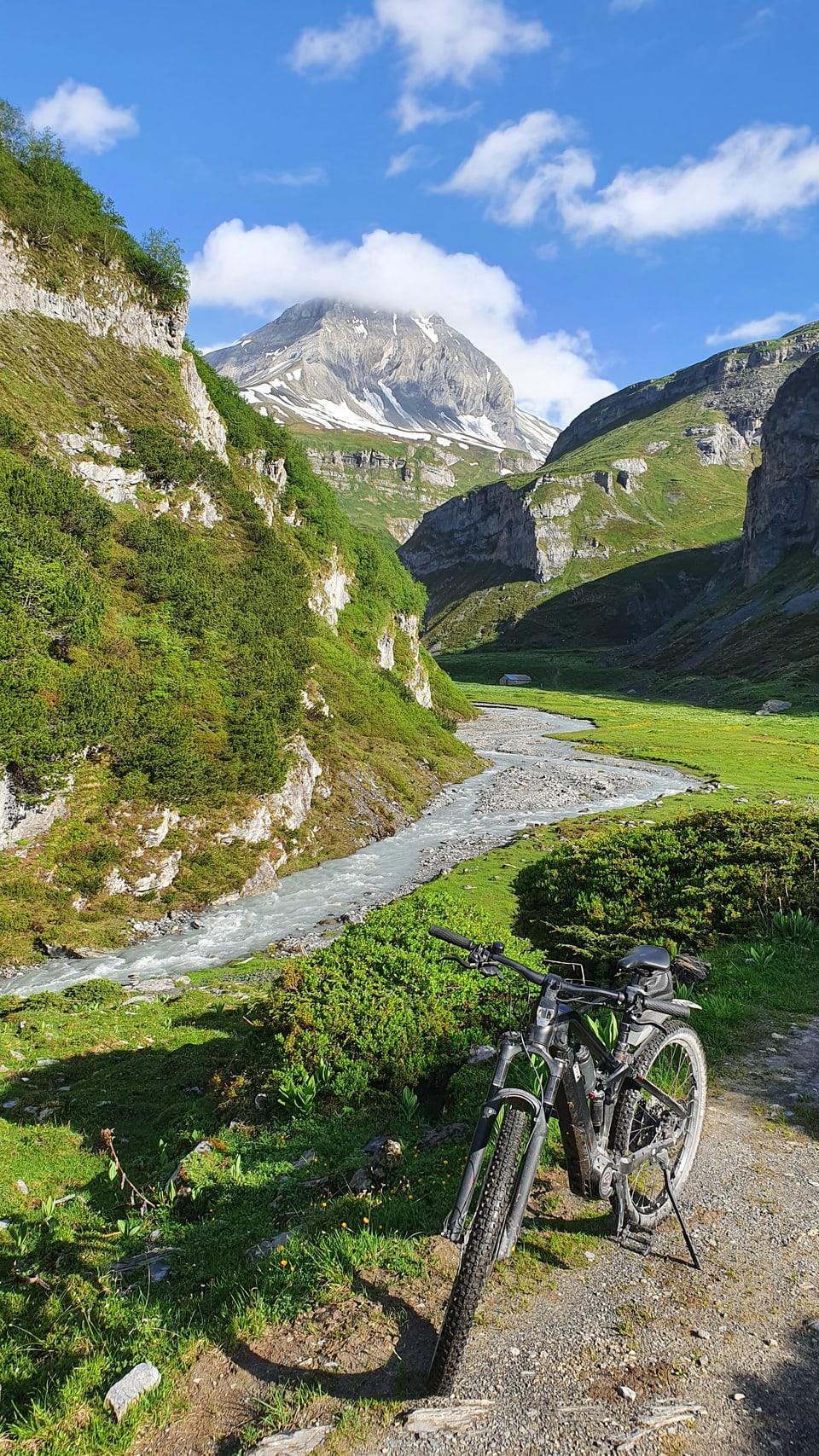 Cun l'e-bike a Bargis