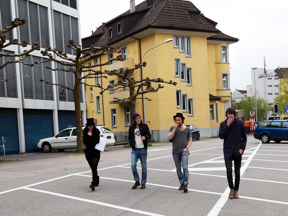8x15. in Olten