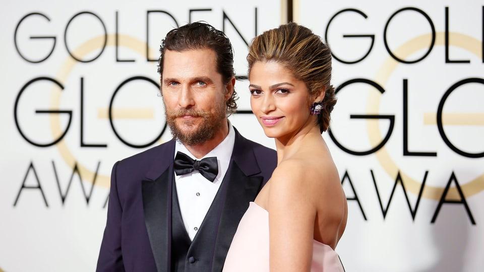 Matthew McConaughey und Camila Alves posieren für die Fotografen.