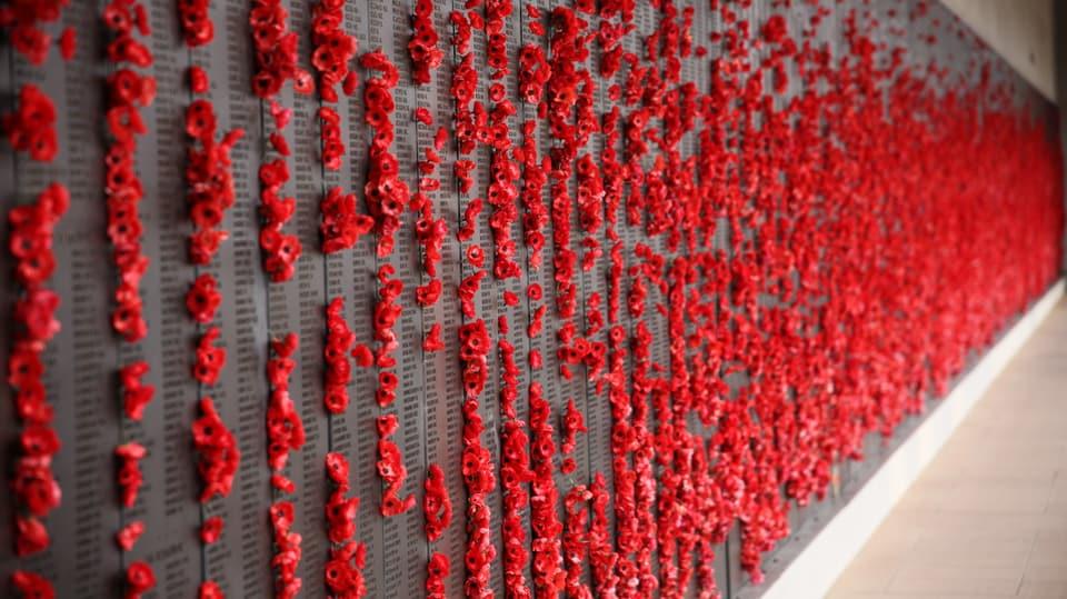 Gedenktafel beim Nationalen Kriegsdenkmal