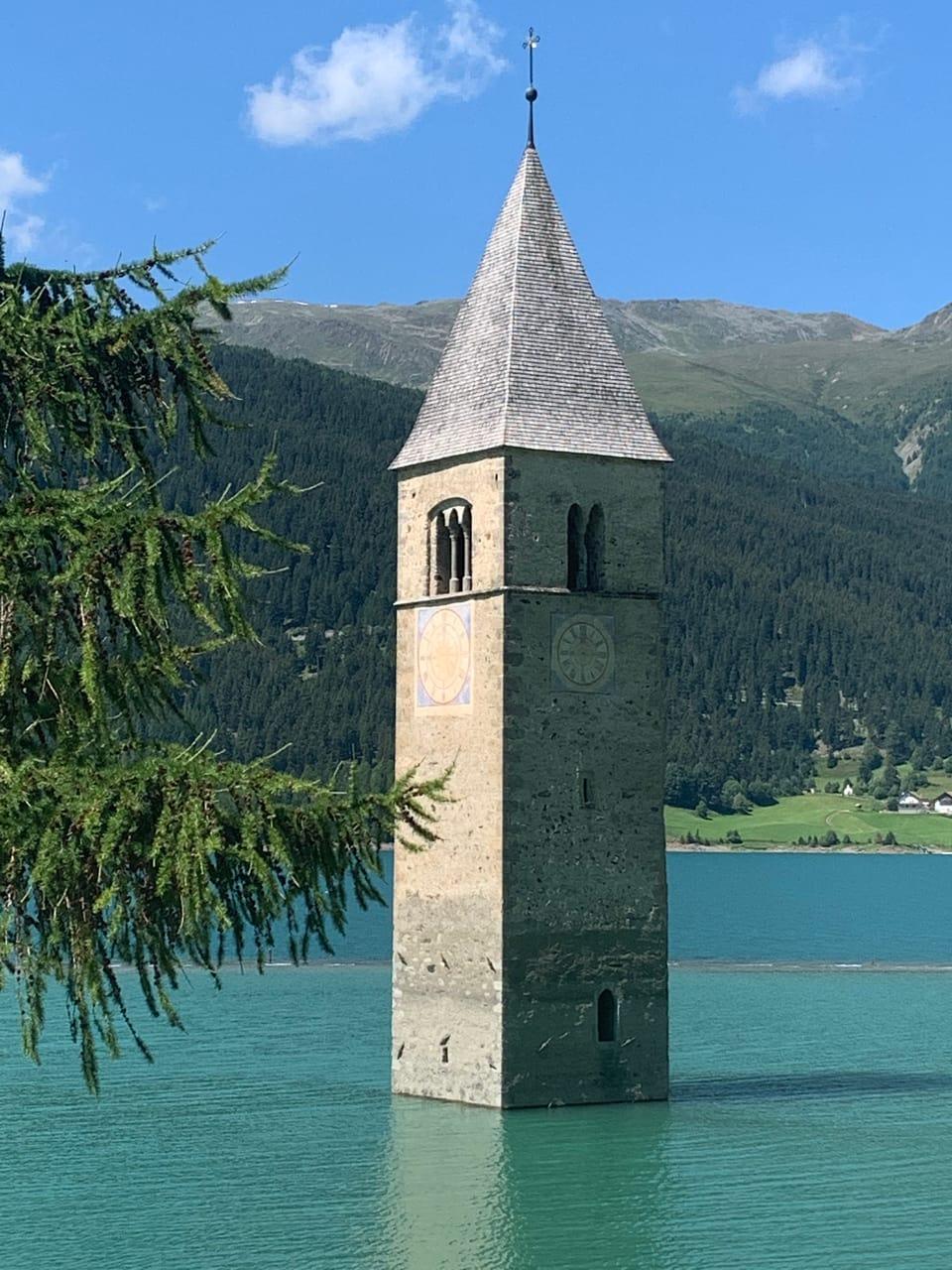 Monument caracteristic dal lai da Reschen
