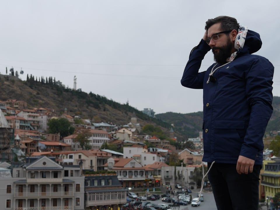 Oft wird Georgien 'Italien des Ostens' genannt. Auch wegen seinen vielen Balkonen, Weintrauben und gastfreundlichen Menschen. Oder wie war das nochmals, Andi?
