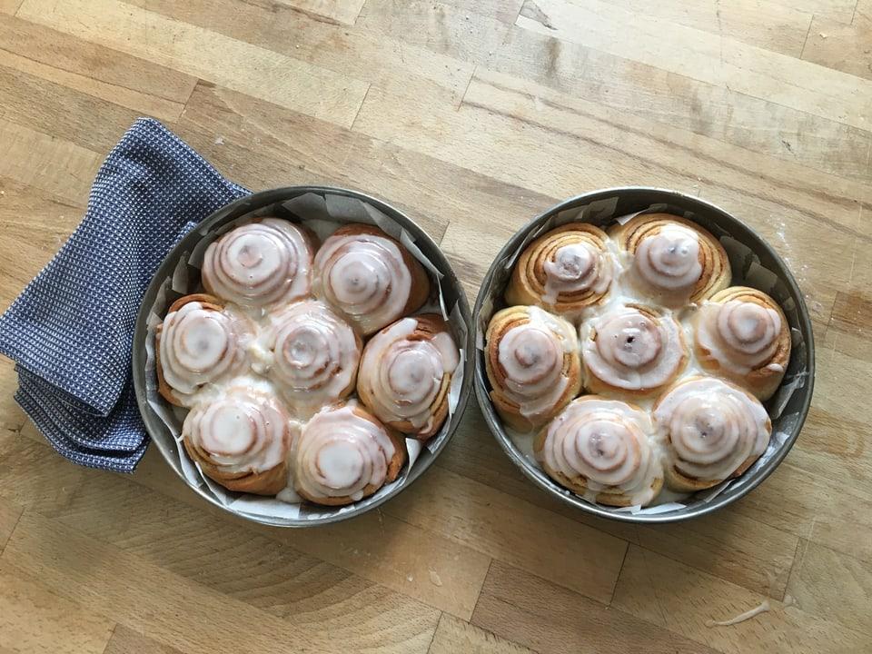 gepackenen Cinnamon Rolls mit Glasur