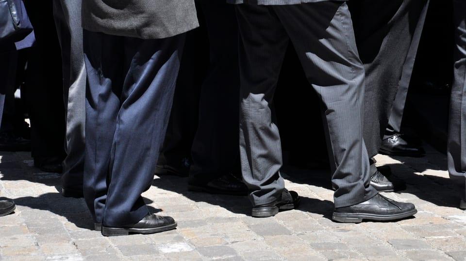 Vestgadira naira ad in funeral.