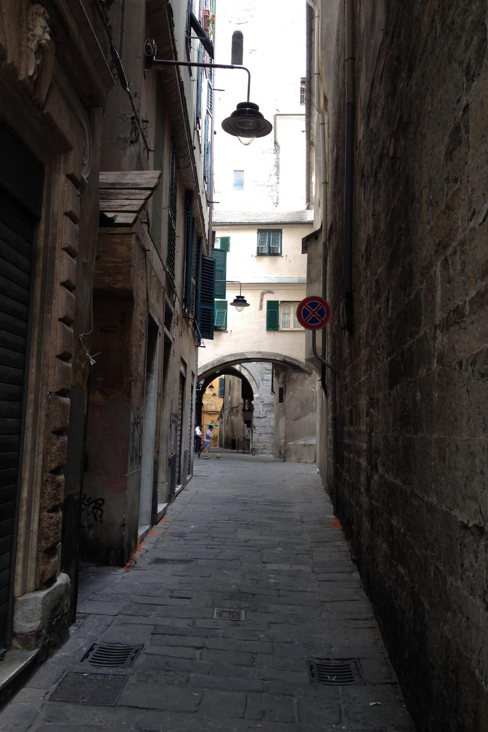 Ina giassa da la citad veglia da Genova.