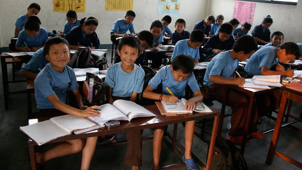 Blick in die Manjughoksha Academy: Schüler.