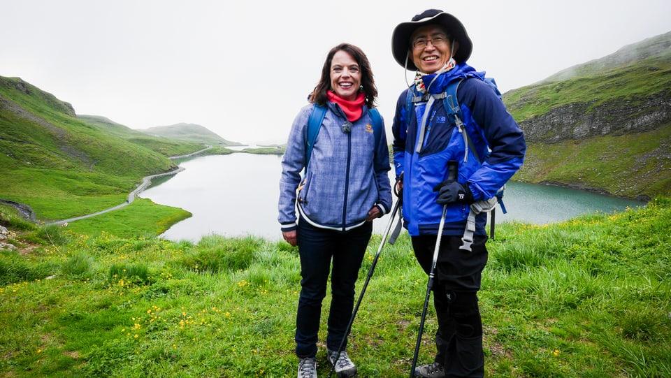 Das Wetter könnte besser sein: Mona mit dem koreanischen Wanderer Min Il Young