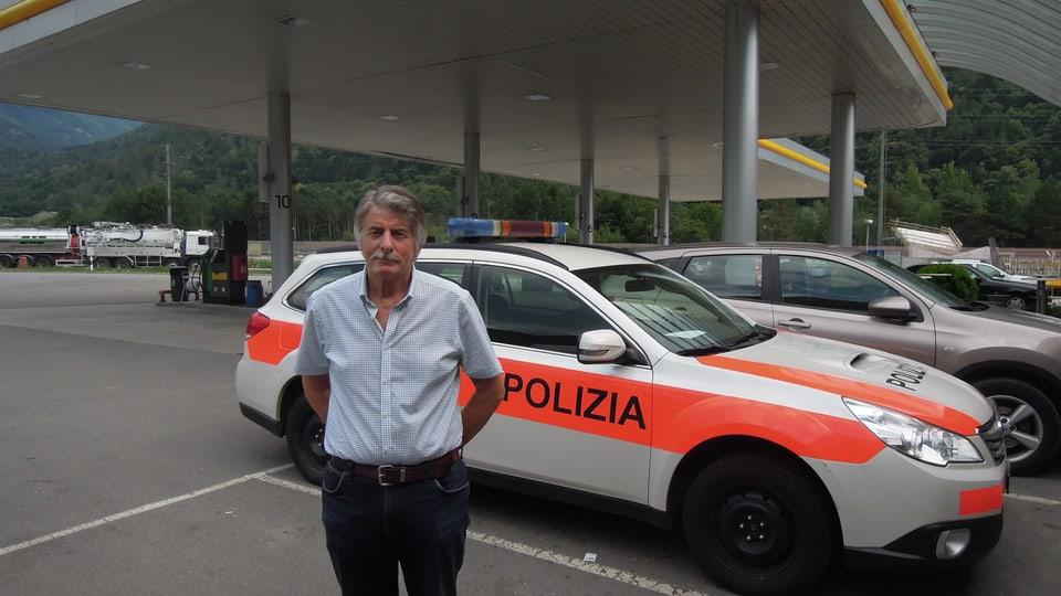 En il Mesauc vegn il policist pensiunà numnà «Vincenzo».