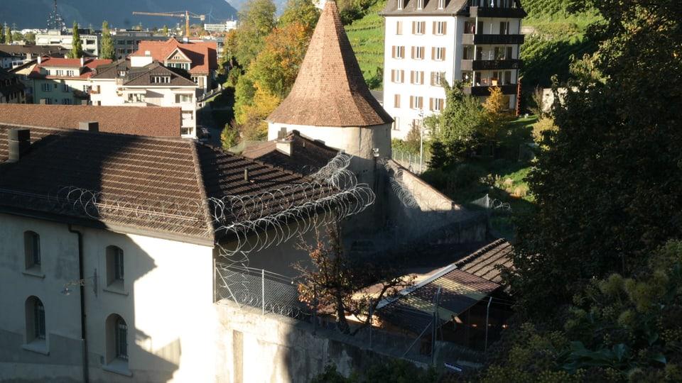 Il Sennhof a Cuira entamez la citad.