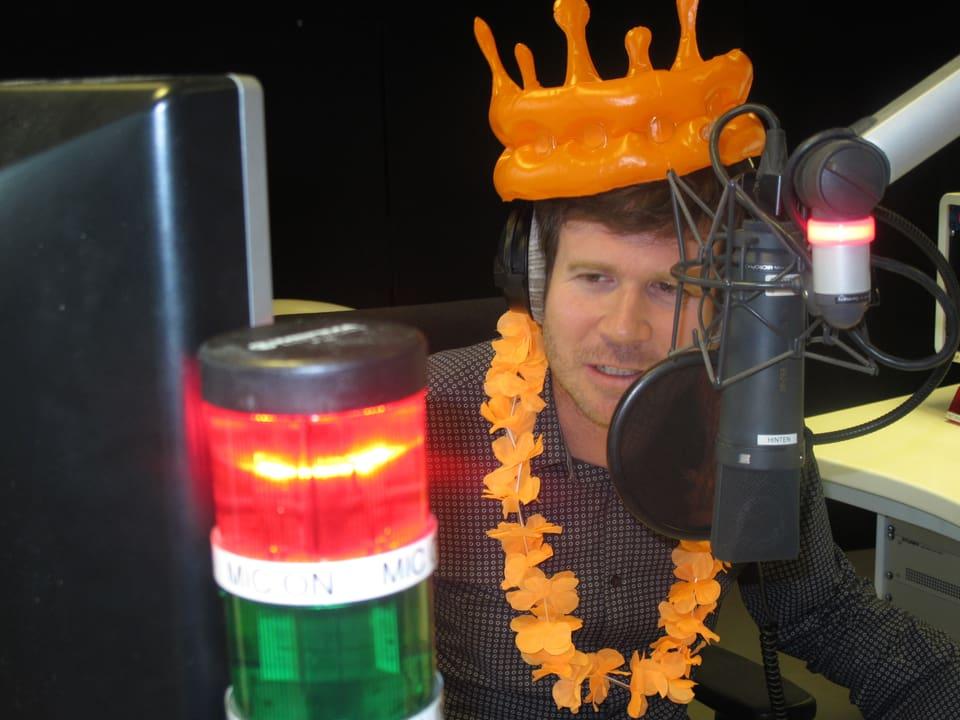 Stefan Kohler in Orange.