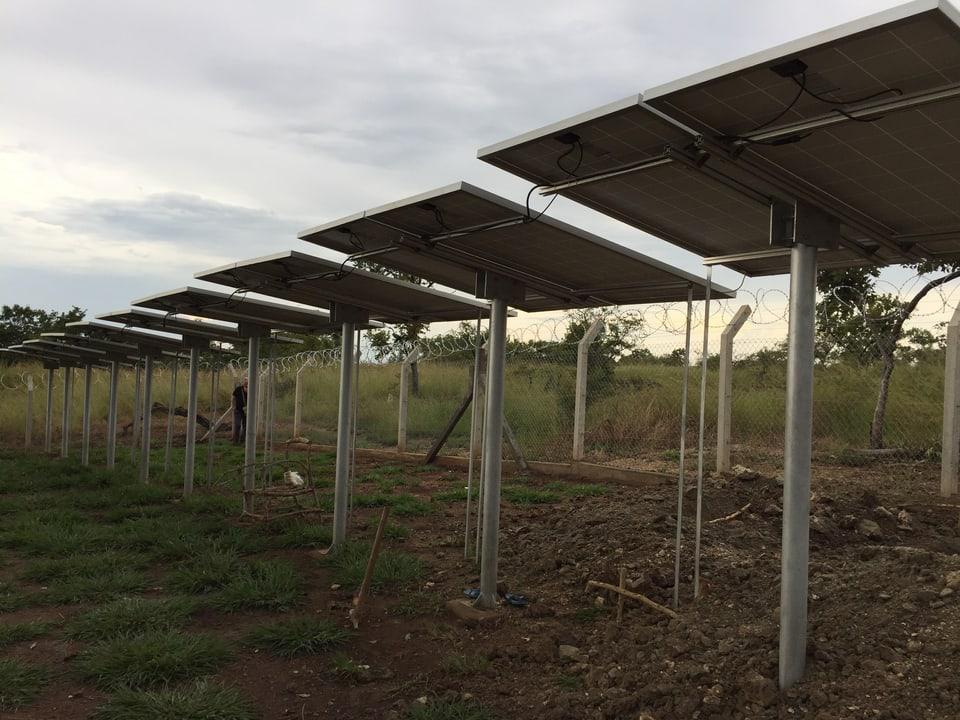 Solarpanels für eine Wasserpumpe.