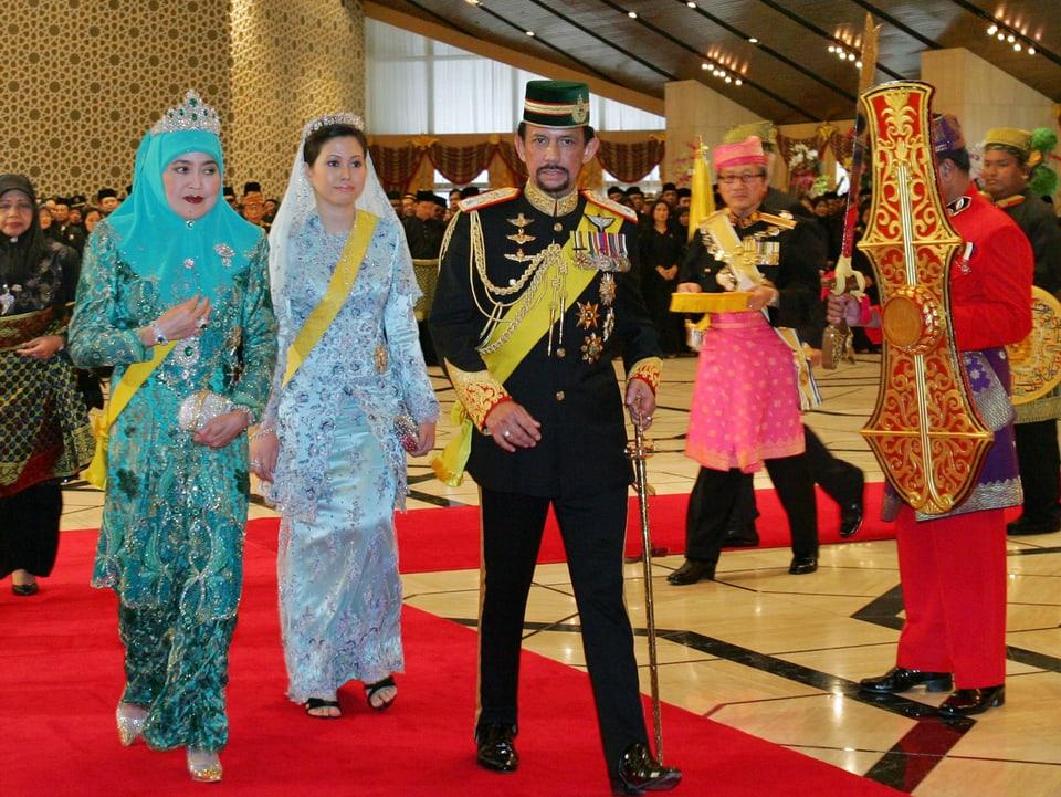 Die Frauen des Sultans von Brunei