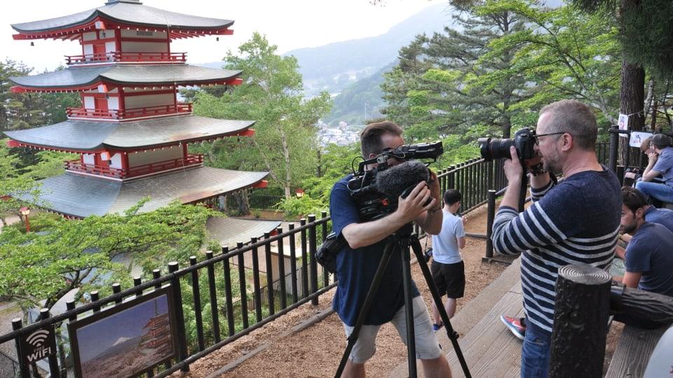 Die Chureita Pagoda in Fujiyoshida, Patrick Rohr und Kameramann Sergio Cassini