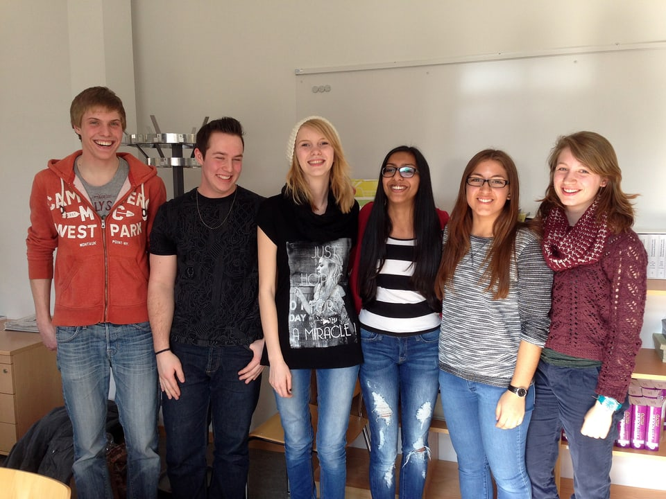 Jugendliche im Gruppenfoto.