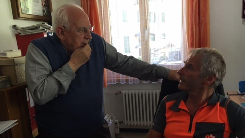 Arnoldo Giacometti - in um vegl en discussiun cun Marcello Negrini.