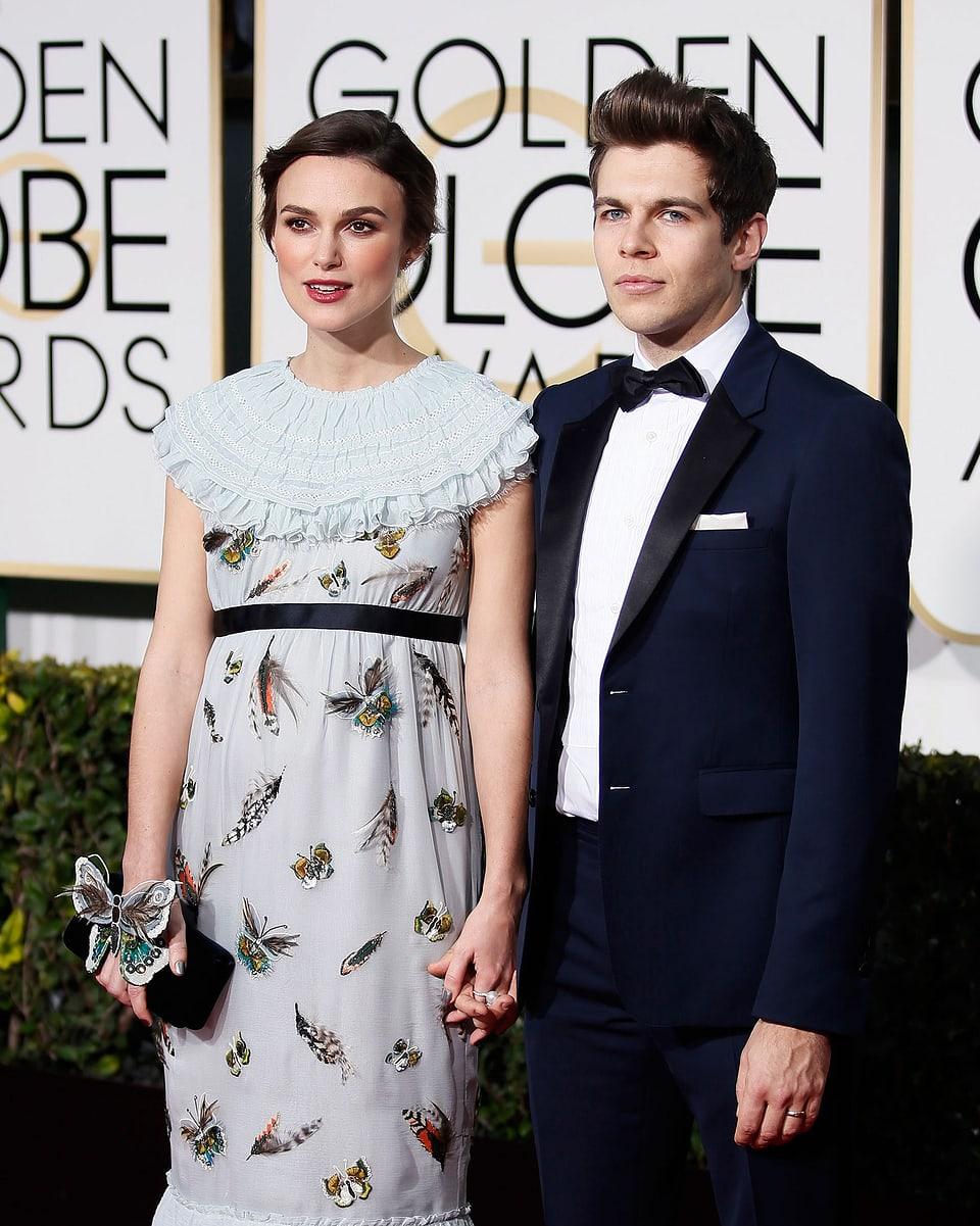 Keira Knightley und Ehemann James Righton posieren für die Fotografen.