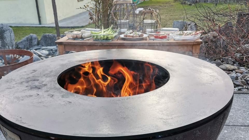 Mise en place per la grillada cun Gion Cajacob.