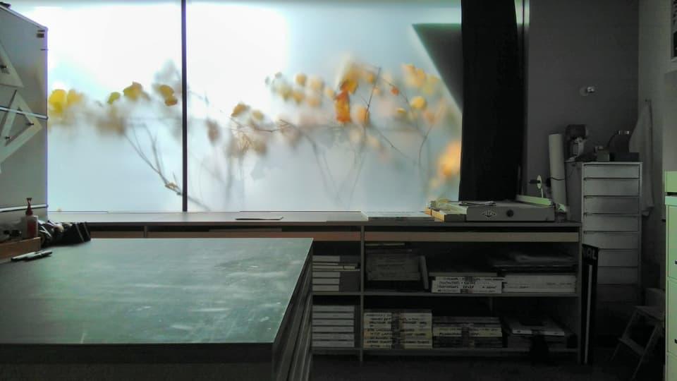 Impressiun da l'atelier. La chasa a Malans è abitaziun, labor ed atelier en ina.