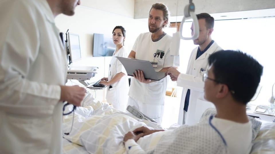 bersetzer in spit lern krankenkassen sollen dolmetscher. Black Bedroom Furniture Sets. Home Design Ideas