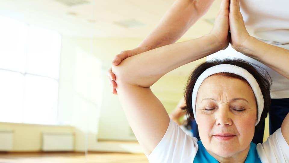 Senioren-Yoga: Energieschub für Körper und Seele