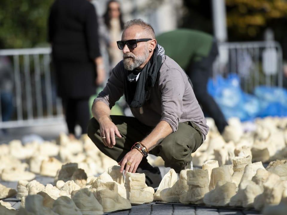 «Panopticon» da Oppy De Bernardo sin la Piazza Manzoni a Lugano