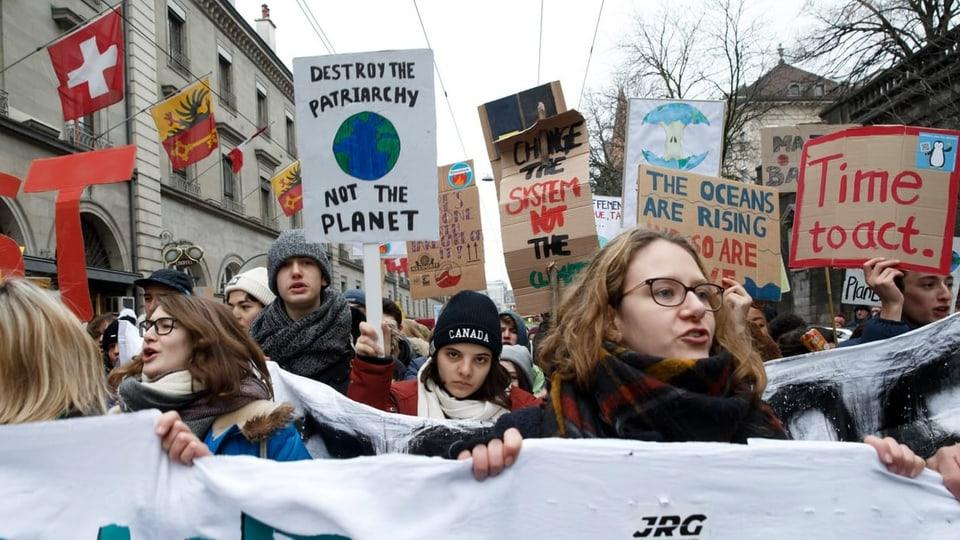 Demonstration, Abstimmung oder Initiative: