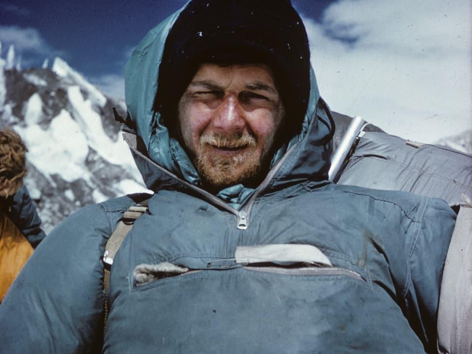 Hans-Peter Duttle in seiner Bergsteiger-Ausrüstung.