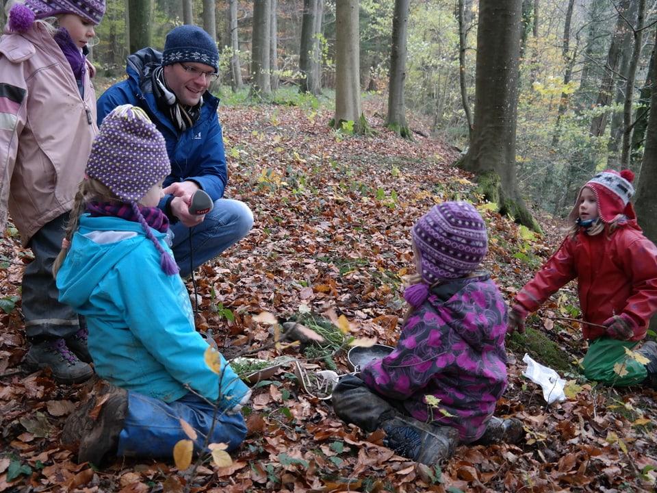 Die Kinder erzählen «Treffpunkt»-Produzent Stefan Wüthrich, was sie empfehlen.