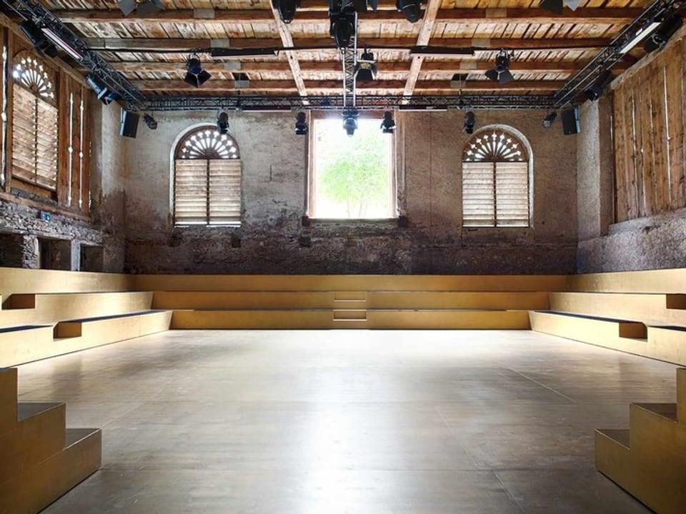 La «Clavadeira» – il teater d'enviern dal Festival Cultural Origen.