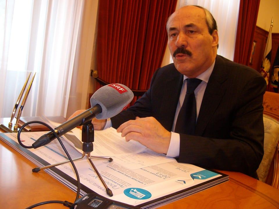Präsident Ramasan Abdulatipov, Dagestan
