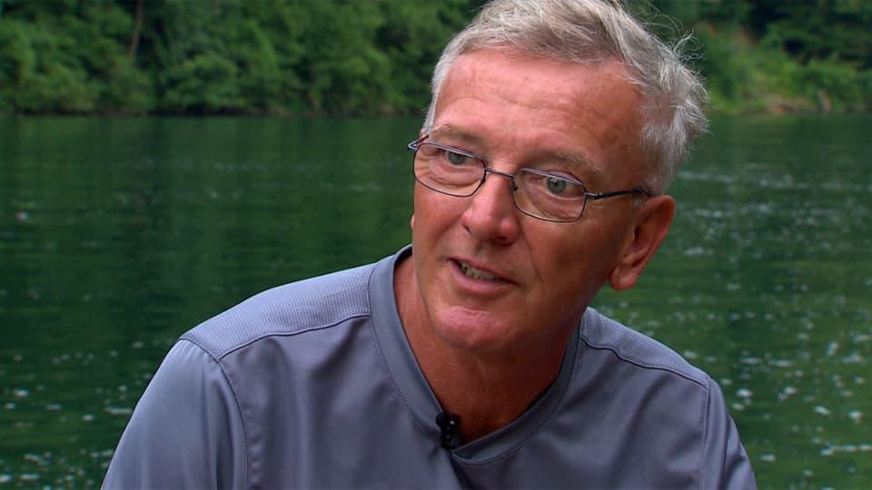 Werner Ebneter beim Interview auf seinem Boot