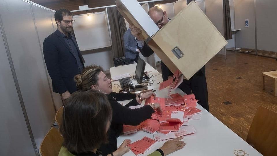 Wahlen im Kanton Tessin - Die Urnen sind geschlossen – erste Gemeinden ausgezählt
